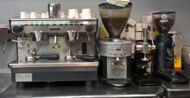 Momentuan xigortutako kafea, normala edo deskafeinatua